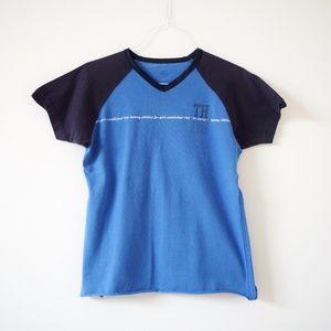 TOMMY HILFIGER Vintage Baseball Style Vneck Tshirt